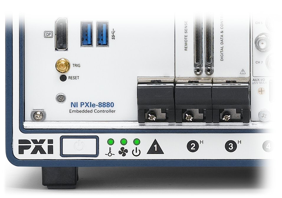An Ni Pxie 1085 Chassis With 8880 Embedded Controller Showing The Temperature Fan And Power Supply All Within Normal Operating Ranges